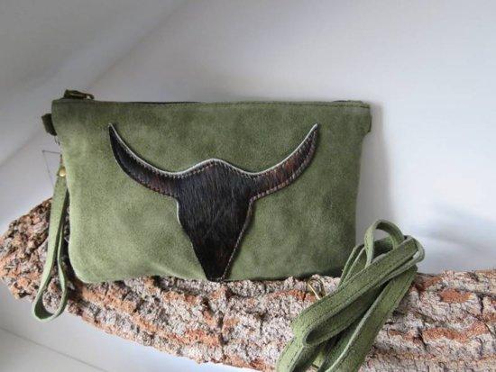 | Stoere clutchschoudertas van suède met vacht (groen)