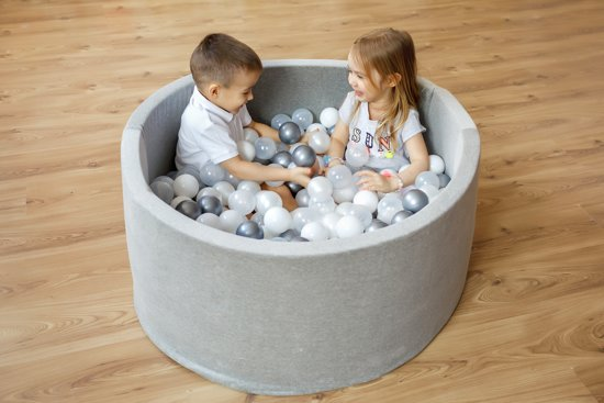 FUJL - Ballenbak - Speelbak - Licht blauw - ⌀ 90 cm - 200 ballen - Kleuren - Zilver - Parel  -baby blauw - Transparant
