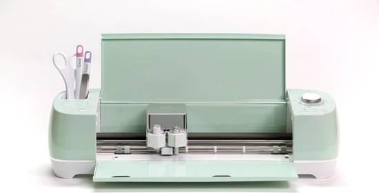 CRICUT EXPLORE AIR 2 & GRATIS FOLIE PAKKET (Flex,Flock en Vinylfolie) ter waarde van 15 Euro