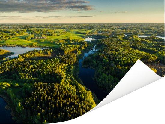 Luchtfoto van het landschap in het Nationaal park Gauja in Letland Poster 80x60 cm - Foto print op Poster (wanddecoratie woonkamer / slaapkamer)