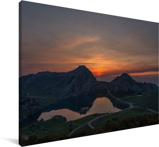 Zonsondergang boven de meren bij Nationale park in Spanje Canvas 180x120 cm - Foto print op Canvas schilderij (Wanddecoratie woonkamer / slaapkamer) XXL / Groot formaat!