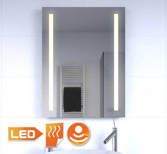 bol.com | Verwarmde badkamer LED spiegel met sensor 60x80 cm
