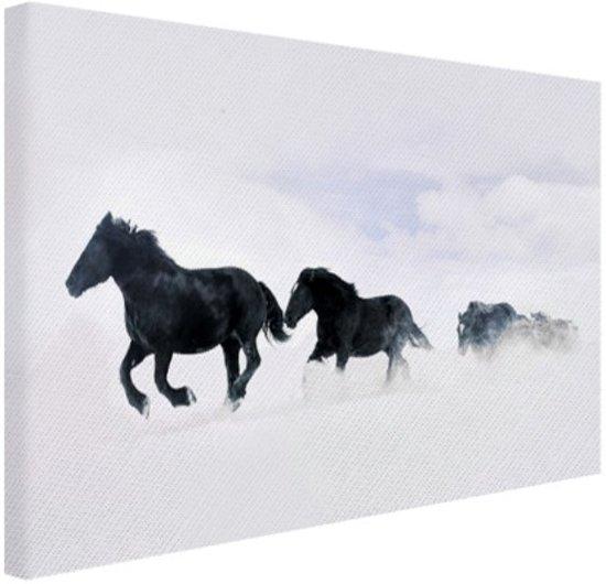 Zwarte paarden in de sneeuw Canvas 30x20 cm - Foto print op Canvas schilderij (Wanddecoratie)
