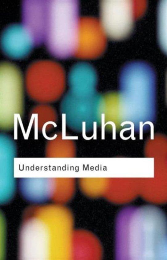 Boek cover Understanding Media van Marshall Mcluhan (Paperback)