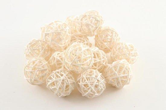 Riet ballen gebleekt 15 stuks 4cm voor decoratie