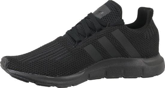 adidas Swift Run Sneakers Maat 44 Mannen zwart
