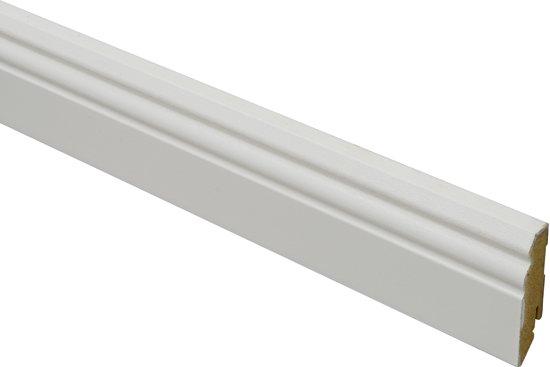 Plint Wit met kraal 240 cm - 70 mm hoog - set van 5 stuks