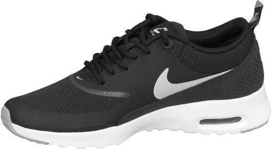 bol.com | Nike Air Max Thea Sneakers - Maat 38 - Dames ...