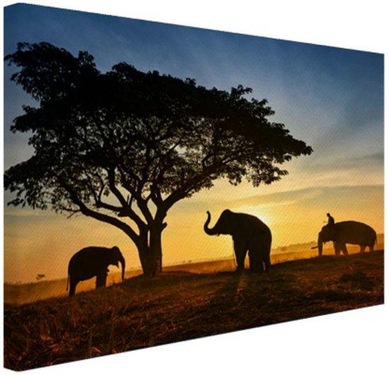 FotoCadeau.nl - Silhouet Thaise olifant zonsopgang Canvas 80x60 cm - Foto print op Canvas schilderij (Wanddecoratie)