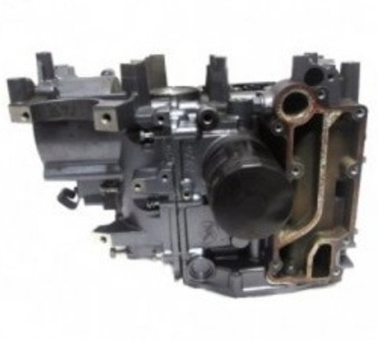 (1) Yamaha / Mercury Crankcase Assy FT, F20, F25 (ALL) (1998-08) 65W-15100-00-942806-830267T3