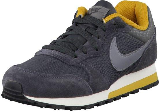 725ca3c483e bol.com | Nike MD Runner 2 Sportschoenen - Maat 40.5 - Vrouwen ...