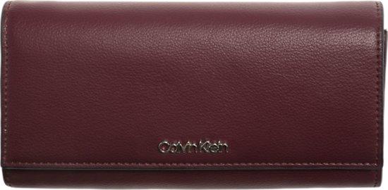 6bf13db6069 bol.com | Calvin Klein - Tack - LRG Trifold - dames portemonnee ...