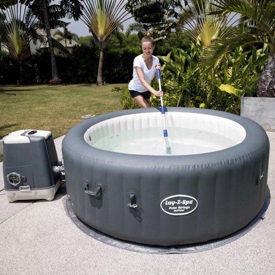 AquaScan Electric Pool Vacuum