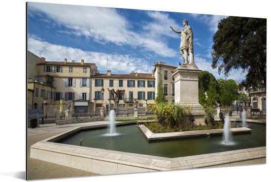 Standbeeld van de Romeinse keizer Anonin in Nîmes Aluminium 60x40 cm - Foto print op Aluminium (metaal wanddecoratie)