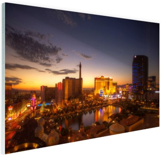 FotoCadeau.nl - Las Vegas in avondlicht Glas 60x40 cm - Foto print op Glas (Plexiglas wanddecoratie)