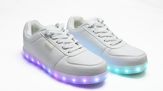 Kinderschoenen Maat 32.Bol Com Kinder Led Schoenen In Lederlook Met Veters In Wit Maat 32