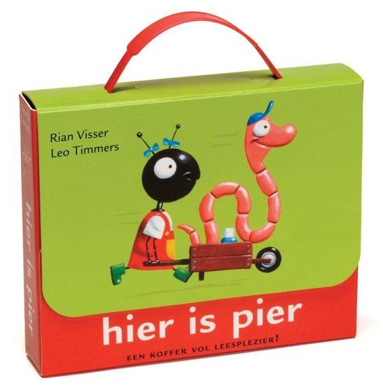 Boek cover Hier is Pier! Een koffer vol leesplezier van Rian Visser (Hardcover)