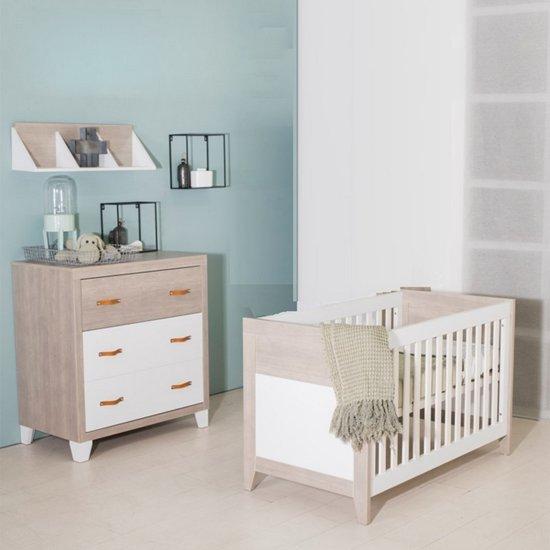 Babykamer Wit Grijs.Bebies First Babykamer Boston 2 Delige Ledikant Commode Wit Grijs