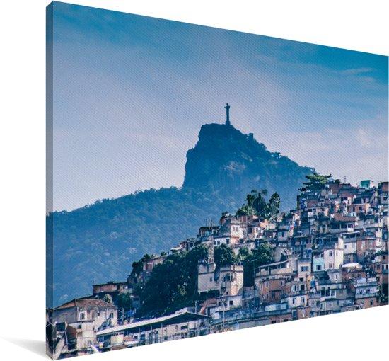 Een mooi beeld van een favela in Rio de Janeiro met op de achtergrond het Jezusbeeld Canvas 30x20 cm - klein - Foto print op Canvas schilderij (Wanddecoratie woonkamer / slaapkamer)