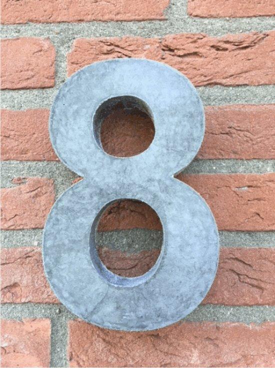 Grote betonnen huisnummer, Hoogte 25cm, huisnummer beton cijfer 8