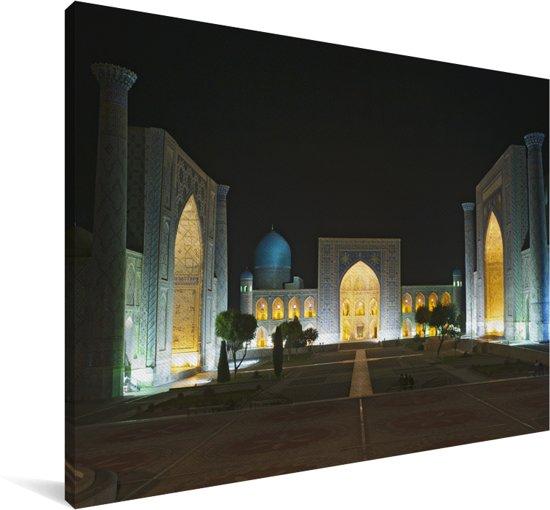Het Registanplein met lichten in de nacht Canvas 60x40 cm - Foto print op Canvas schilderij (Wanddecoratie woonkamer / slaapkamer)