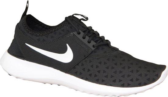 3107f3dc3fd Nike Juvenate Sneakers Dames Sportschoenen - Maat 37.5 - Vrouwen - zwart/wit