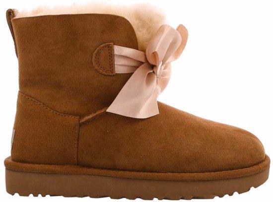 c6ae099d023 UGG Gita Bow Mini Classic Boot 1098360 W/Che Bruin-41