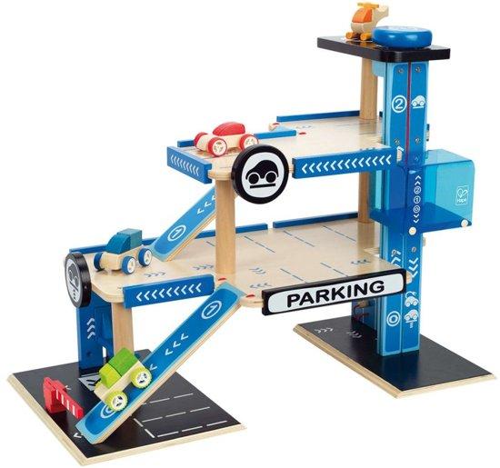 Hape City Parking Garage