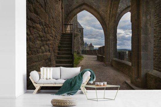 Fotobehang vinyl - Uitzicht op het interieur van de citadel in Frankrijk breedte 420 cm x hoogte 280 cm - Foto print op behang (in 7 formaten beschikbaar)