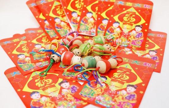 Originele Chinese Gelukspoppetjes hout L 24stuks van 3 cm uitdeelcadeaus  geluksbrenger