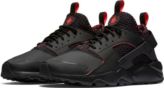 premium selection b263b b6b1a Nike Air Huarache Run Ultra SE Sneakers - Maat 45 - Mannen - zwartroze