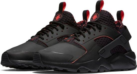 premium selection 5a7b0 05423 Nike Air Huarache Run Ultra SE Sneakers - Maat 45 - Mannen - zwartroze