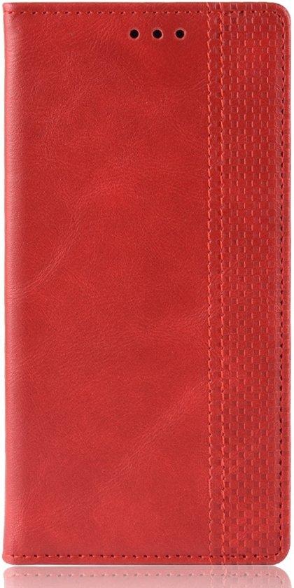 Mobigear Magnetic Buckle Retro Luxe Wallet Hoesje Rood Motorola One Vision