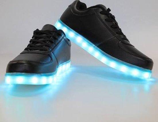 Sneakers Met Licht : Bol licht schoenen zwart