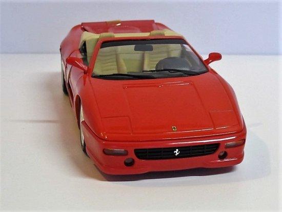 Ferrari F355 Spider - 1994, Rood - 1:18 Hotwheels