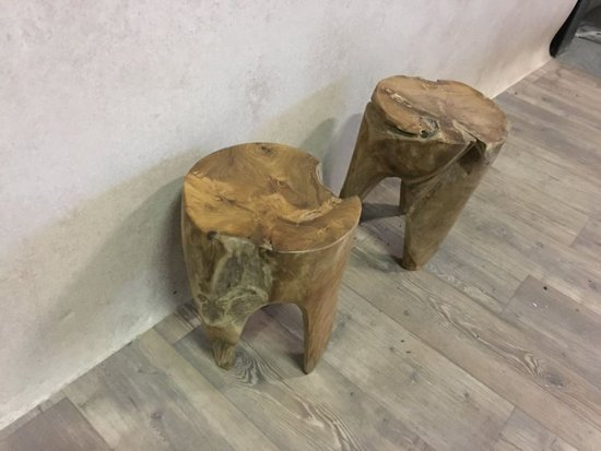 Krukje of bijzettafel van teak hout, rond model, 3 poten