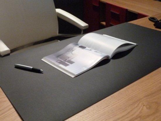bol | desklin linoleum bureau onderlegger 50x61 cm