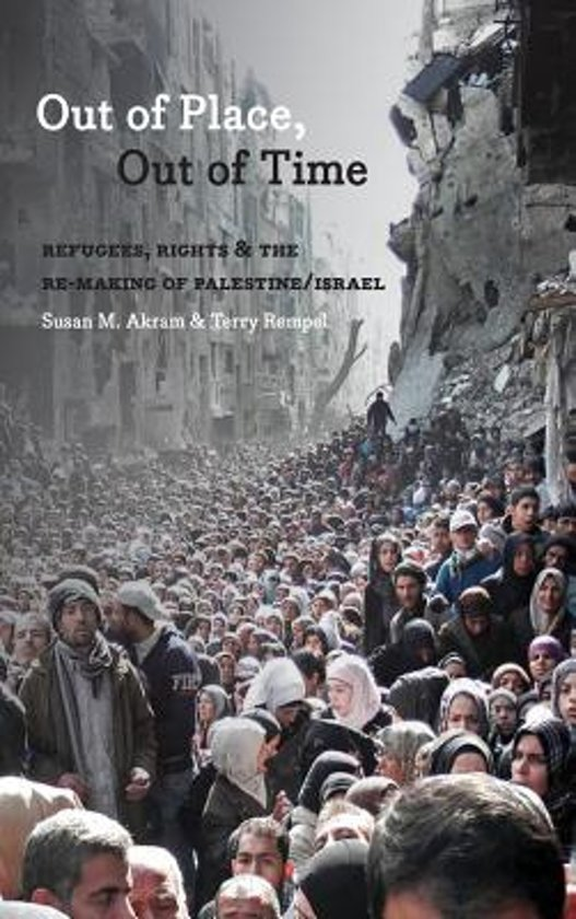 Boek cover Out of Place, Out of Time van Susan M. Akram (Paperback)