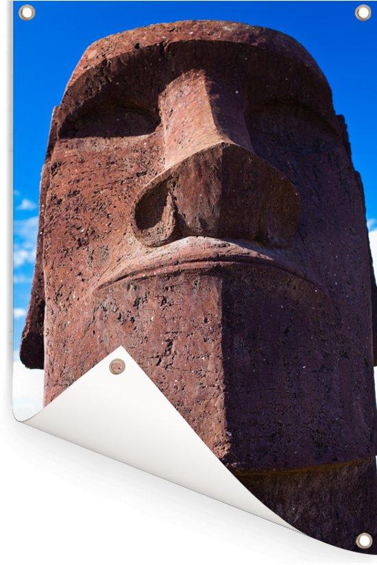 Close up van een Moai standbeeld in Rapa Nui Tuinposter 80x120 cm - Tuindoek / Buitencanvas / Schilderijen voor buiten (tuin decoratie)