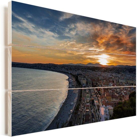 Adembenemende lucht boven Nice in Frankrijk Vurenhout met planken 120x80 cm - Foto print op Hout (Wanddecoratie)