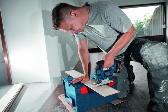 Bosch Professional GST 18 V-LI B Accu decoupeerzaag - Met 2x 5,0Ah accu's, GAL 1880 CV snellader en L-BOXX