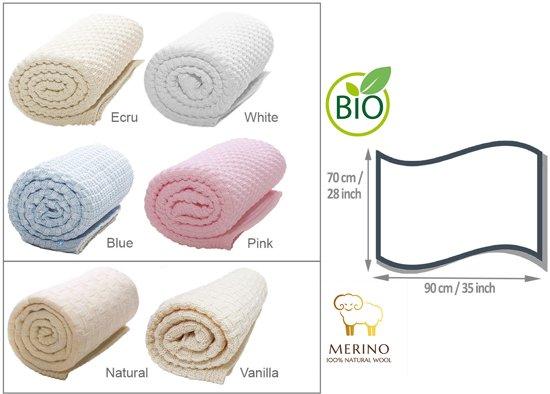 Wallaboo Babydeken Eden - Wiegdeken - Gemaakt van dik en zacht 100% Merino wol - Ideaal in kou en in warmte - Ruime afmeting: 70 x 90 cm - Fraai gebreid patroon - Kleur: Vanille