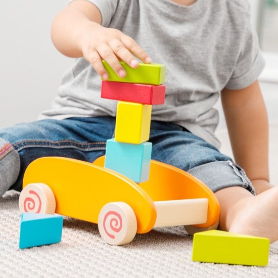 Afbeelding van het spel Spel met Houten Blokken en Trolley (9 stuks)