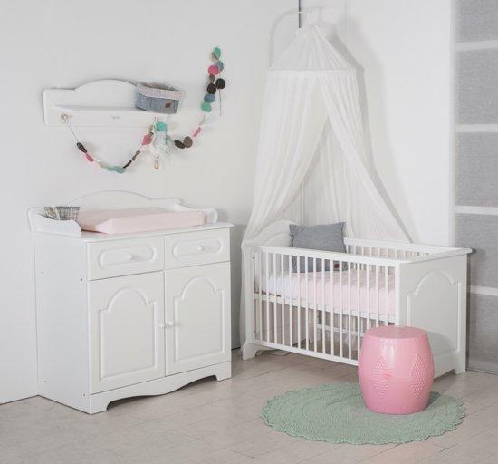 Ledikant En Commode Wit.Bebies First Babykamer Daphne 2 Delige Ledikant Commode Wit