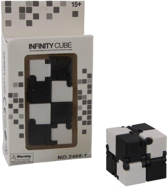Afbeelding van het spel Infinity Cube Zwart met wit.