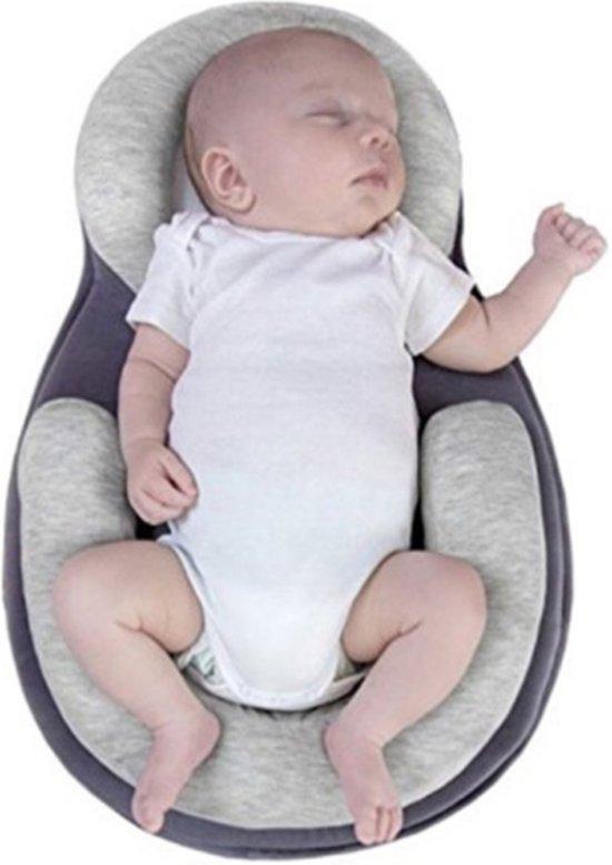 Babynestje grijs – baby mee groei bed – draagbaar babybed – anti rollover kussen – baby reisbed – baby matras – babynest – baby slaap positie kussen – kraamcadeau - kerstcadeau