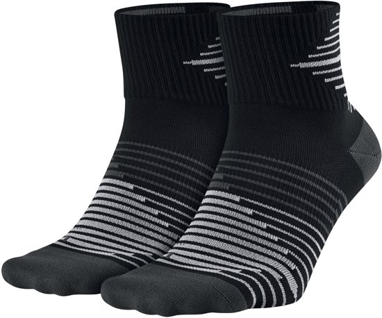 Nike Dri-Fit Lightweight Quarter Sokken Hardloopsokken - Maat 34-38 - Unisex - zwart/grijs