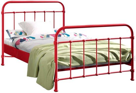 Bed 120 Cm Twijfelaar.Bol Com Vipack Bed New York Breedte 120 Cm Lengte 200 Cm Rood