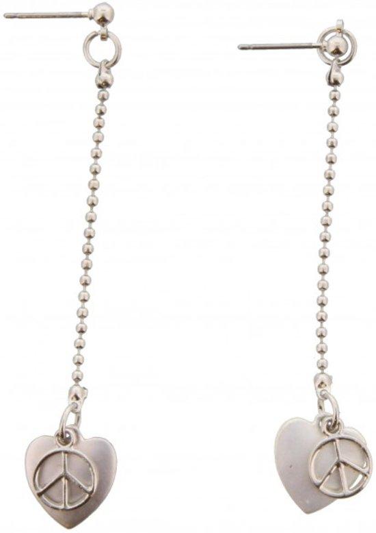 Steek oorbellen met lange ketting en daaronder een hartje met peace teken. Zilver 6,5 x 1,5 cm.