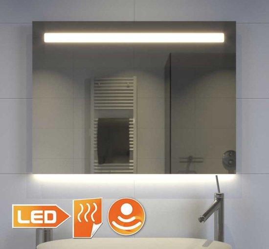 fraaie badkamer spiegel met directe en indirecte verlichting en verwarming 80x60 cm